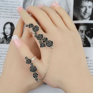 Jewelry - Antique Silver Floral Chain Boho Festival Ring Set